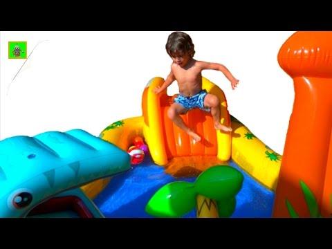 Dinosaurios y Piscina inflable infantil de dinosaurios para niños/ JUEGOS y JUGUETES de ARES