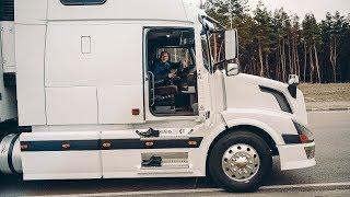 ЧТО в КАБИНЕ РОСКОШНОГО грузовика VOLVO VNL 670? Лакшери дальнобой грузовик