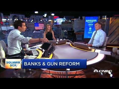 Rep. Jennifer Wexton pushes banks to help fight gun crime