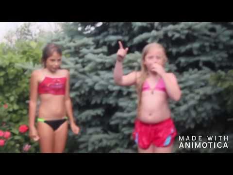 Аня в гостях у Камилы и Каролины Купаемся в бассейне, видео 2