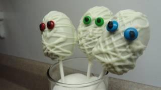 Halloween Cake Pops: Not-so-scary Mummies