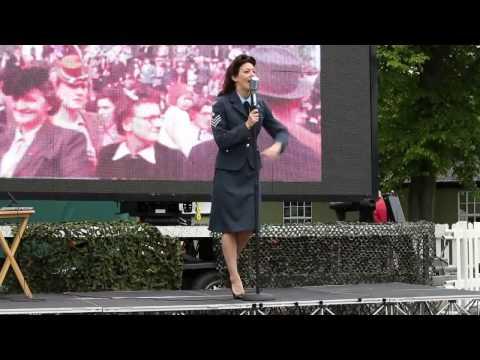 Vintage Singer Nina Video
