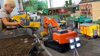 BRUDER EXCAVATORs Construction Toys For Children ♦ EXCAVATORs DEERE HITACHI + Huina RC Grabber!
