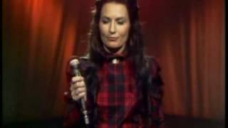 Loretta Lynn - Put Your Hand In The Hand