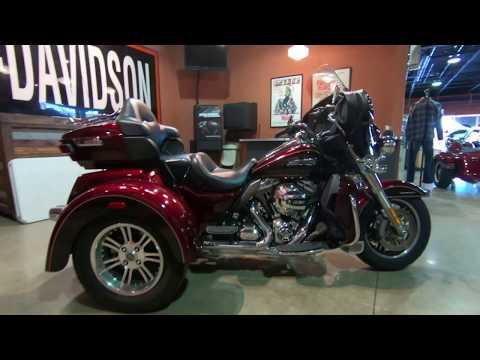 2014 Harley-Davidson Tri Glide Ultra Trike FLHTCUTG