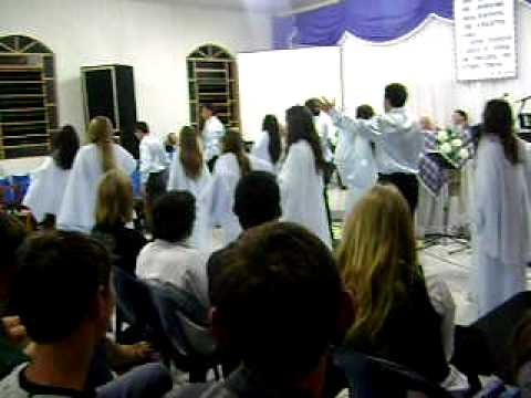 coreografia do grupo de jovens de Presidente Castelo Branco