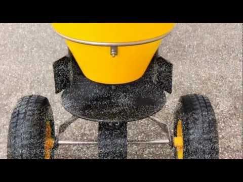 Streuwagen CEMO Winterdienst Ausrüstung für den Profi, so kann der Winter ruhig kommen