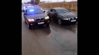 Беспредел на дороге в Шымкент! Свадебный кортеж