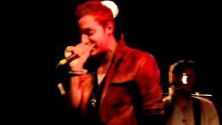 2AM Club - Let Me Down Easy (live)