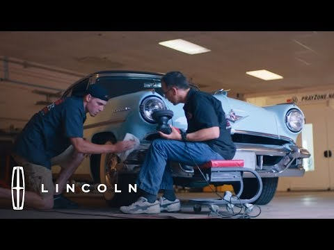 LINCOLN DRIVEN TO GIVE   SWAG CUSTOM RIDES