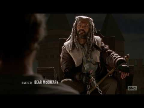 The Walking Dead - Carol meets King Ezekiel & Shiva the tiger.