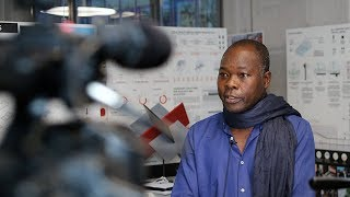 « Deux jeunes professionnels courageux » – Diébédo Francis Kéré