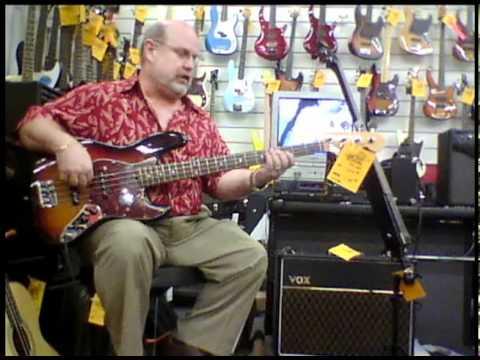 Milano Music - Fender Jazz Bass