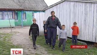 Володимир Мельник, що ростив дітей у лісі, розповів, що відбулось в сім