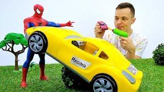 Супергерои в видео с игрушками. Человек Паук выбирает машину.