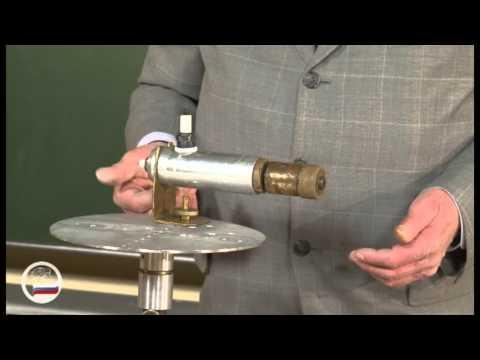 Пушка на вращающейся платформе. - демонстрация в инженерно физическим институте