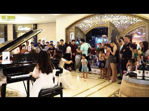 Piano Steinway Spirio cao cấp tại Tràng Tiền, Hà Nội