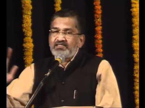 Dr Abhay Bang addressing Youth of Maharashtra