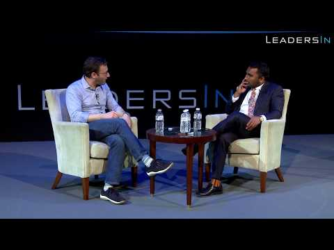 Still Image from the video: Simon Sinek on Entrepreneurship and Elon Musk