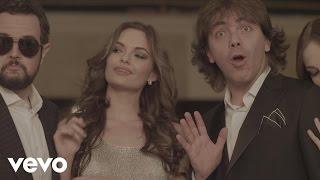 Video Tan Cerquita de Aleks Syntek