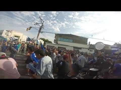 """""""Del Bombillo Soy Y Eres La Alegria De Mi Corazón"""" Barra: Boca del Pozo • Club: Emelec"""