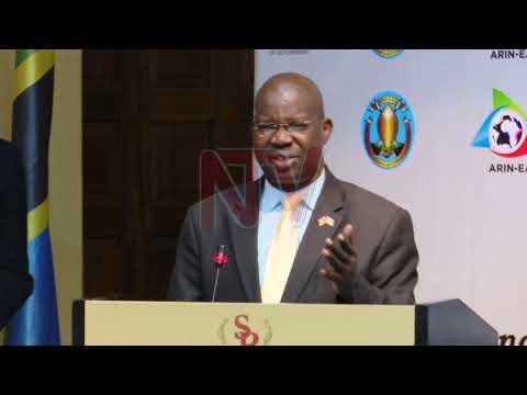 OLUTALO KU NGUZI : Ssaabalamuzi Katureebe anenyezza abazadde
