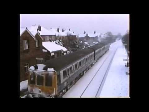 BR Blue Class 118 DMU in the snow at Narborough Station in 1…