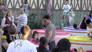 СУРИ КРУЗ, EXCLUSIVE: TOM CRUISE AND SURI SPEND THE DAY AT DISNEYLAND!