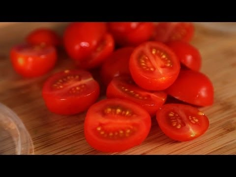 HomeHack: The BEST Way to Slice Tomatoes