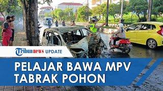 Pelajar 17 Tahun Bawa Mobil MPV hingga Naik ke Trotoar, Tabrak Pohon dan Terbakar