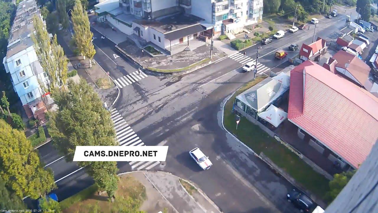 Днепродзержинский велосипедист не вписался в поворот