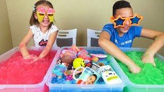 ЧЕЛЛЕНДЖ Джелли БАФФ Угадай свои вещи и игрушки в Jelli Baff Сюрпризы для Насти и Саши CHALLENGE