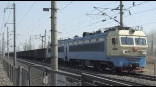 preview picture of video '[China Railway]Daqin Line SS4 Freight Train 大秦線SS4牽引貨物列車'