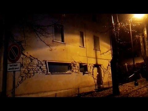 زلزالان قويان يضربان وسط ايطاليا