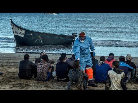 Περισσότεροι από 1.600 μετανάστες από την Αφρική έφτασαν στα Κανάρια μέσα σε ένα Σαββατοκύριακο…