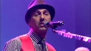 Zeca Baleiro - Quase Nada (DVD Calma Aí, Coração)