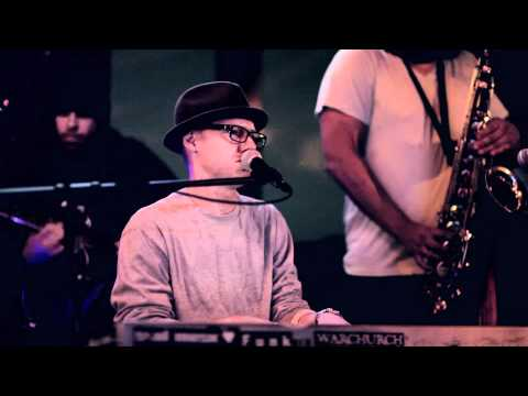 "Delmos Wade - ""All I Can Do"" Live @ the Commonwealth Lounge, Newport Beach. CA. 10-19-2010"