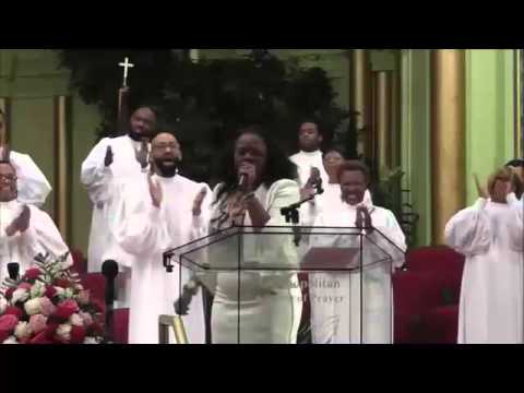 Lady Mildred Trotter - Safe In His Arms & PRAISE BREAK