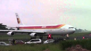 preview picture of video 'Take off / Despegue Iberia Airbus A 340-300 MROC/San José, Costa Rica-HD'