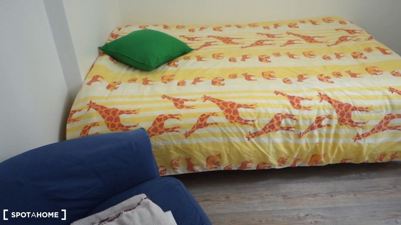 Chambres doubles à louer dans un appartement lumineux et moderne de 4 chambres à Paris, 13ème