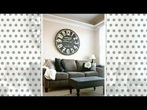 XXL Wanduhr im Interieur – Praktischer Zeitmesser mit dekorativem Wert