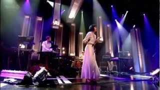 [HD] Bat For Lashes - Oh Yeah (Jools Holland Live 2012)