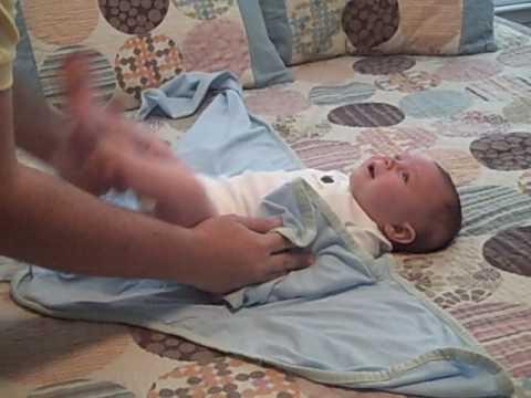 Как успокоить младенца при истерике