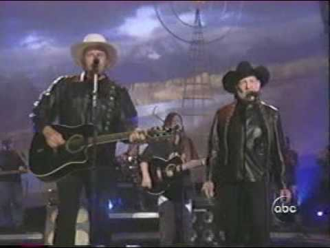 Willie Nelson / Toby Keith- Beer For My Horses