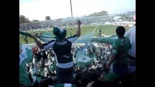 preview picture of video 'Terrible entrada de SARMIENTO DE JUNIN CAMPEON 2012 a la cancha!!!...'