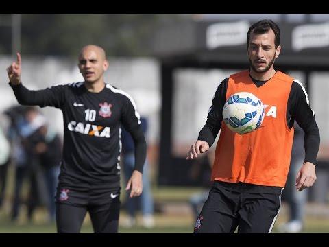 Tite comenta sobre oportunidade de Edu Dracena, novo titular do Corinthians