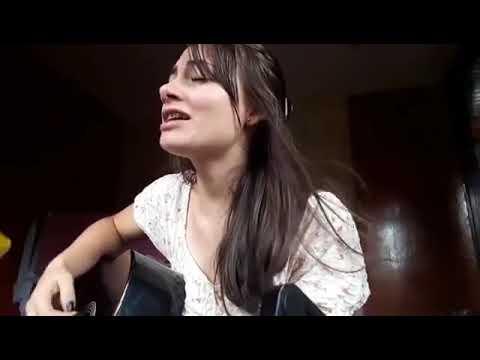Veja a Juquitibense Mirella Oliveira voz e violão