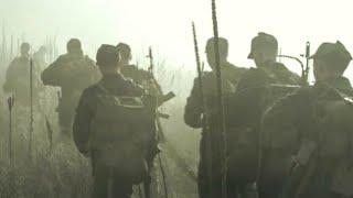 【穷电影】10名士兵为抄近路穿过迷雾,没想到,却来到了恐怖的异界