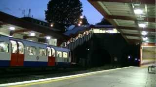 preview picture of video 'London Underground Bakerloo Line at Kensal Green'