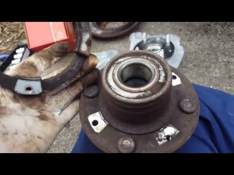 Volvo S40 - Changing the rear wheel bearing / hub